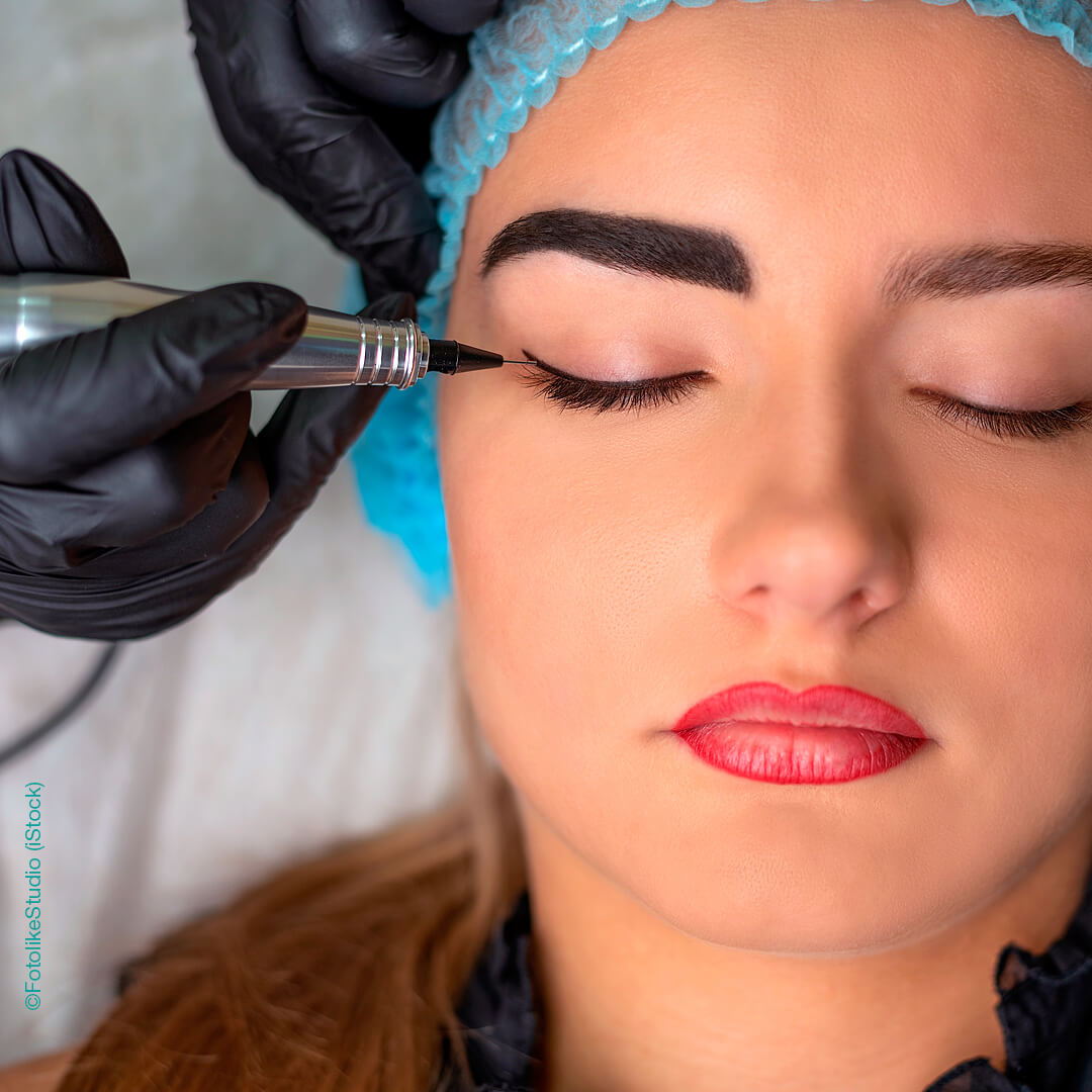 Permanent Make-up Augen, oberer Lidstrich. ©FotolikeStudio (iStock)